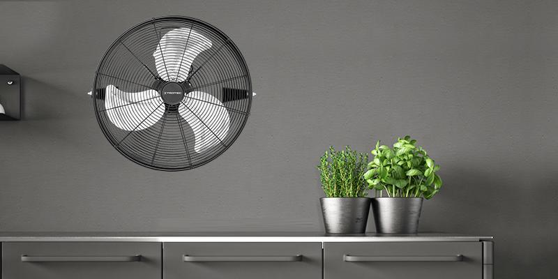 Превратите свой напольный вентилятор в настенный вентилятор.